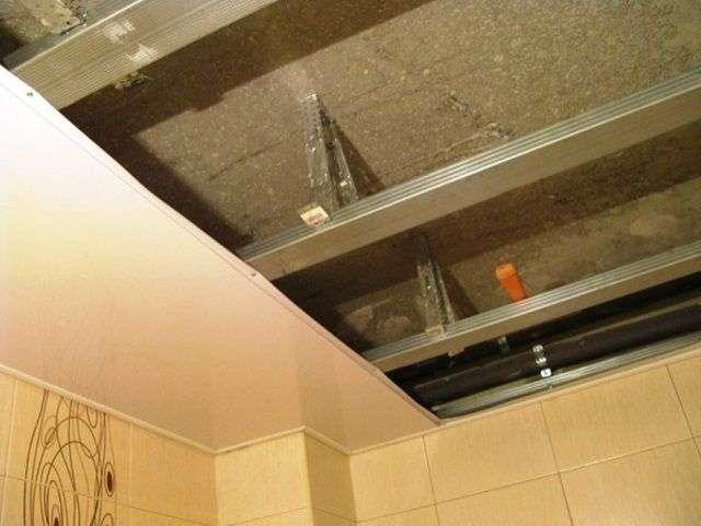 Стеля у ванній кімнаті який вибрати