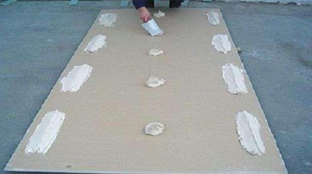 Як кріпити гіпсокартон до стіни без профілів