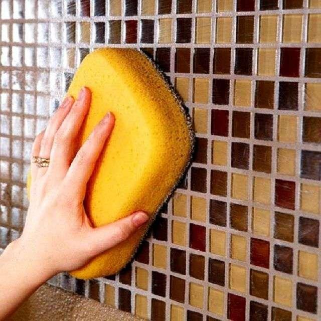 Затирка швів плитки у ванній своїми руками