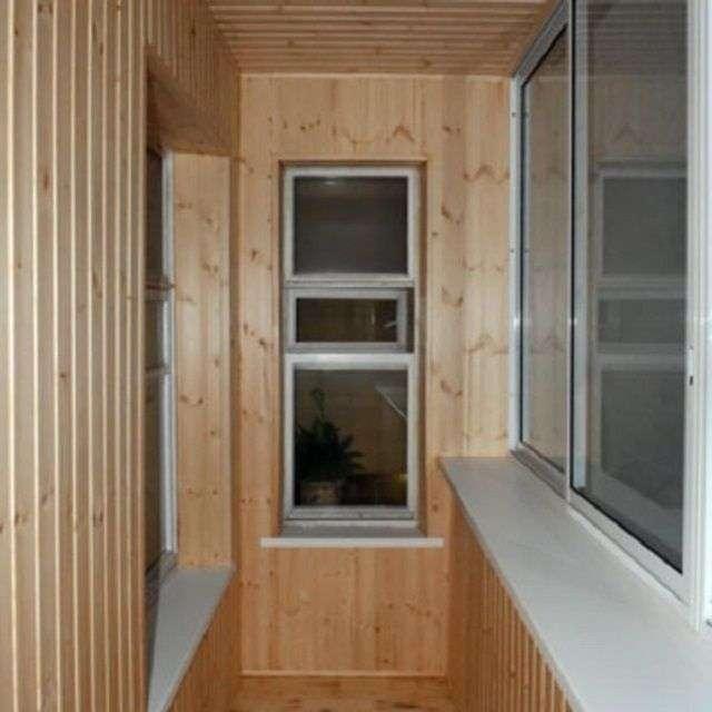 Варіанти обробки балкона всередині