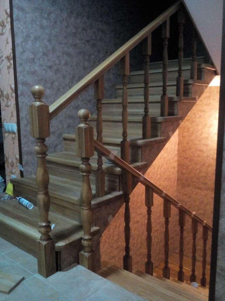 Облицювання деревиною бетонна сходи