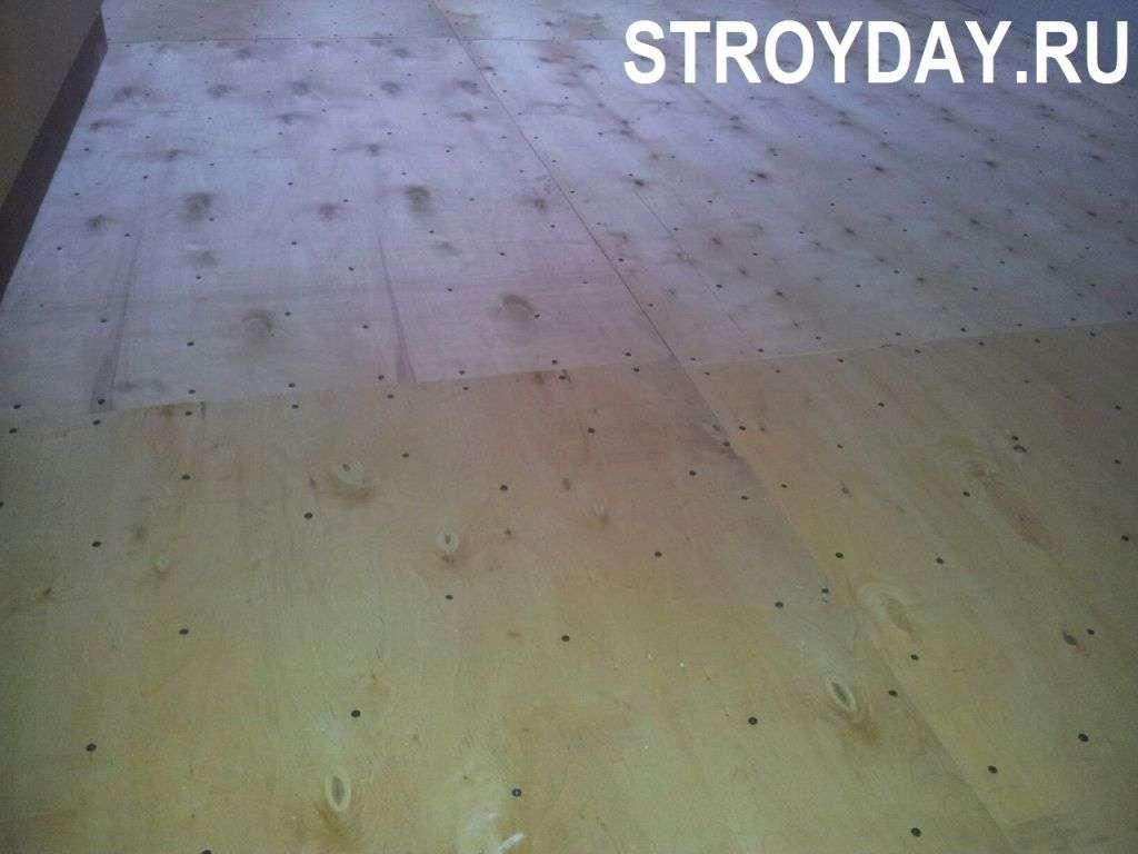 Вирівнювання підлоги і настил лінолеуму в сталінці